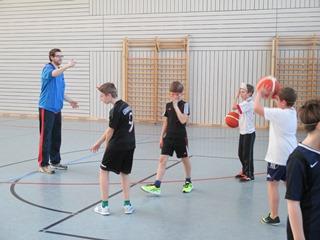 freiwurf beim basketball